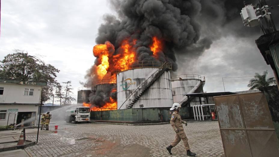 Vários quarteirões foram isolados, de acordo com a Secretaria Estadual de Defesa Civil