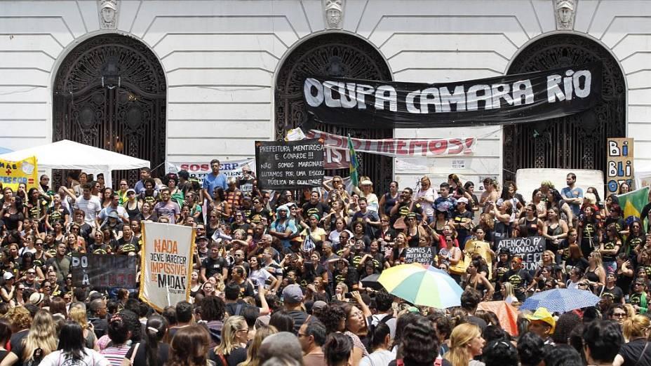 Rio: professores pressionam para impedir votação do plano de cargos e salários na Câmara