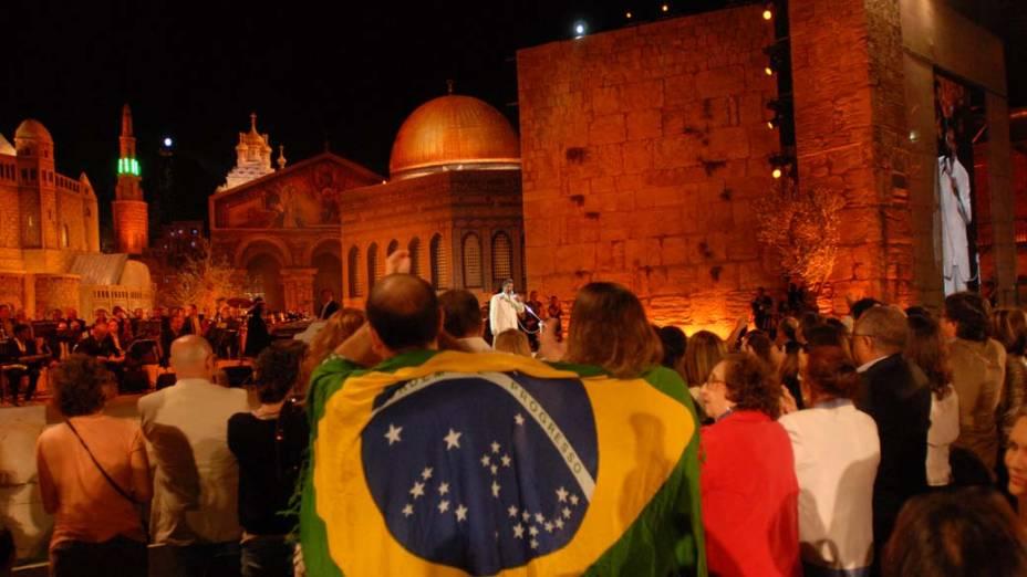 Público durante o show de Roberto Carlos em Jerusalém