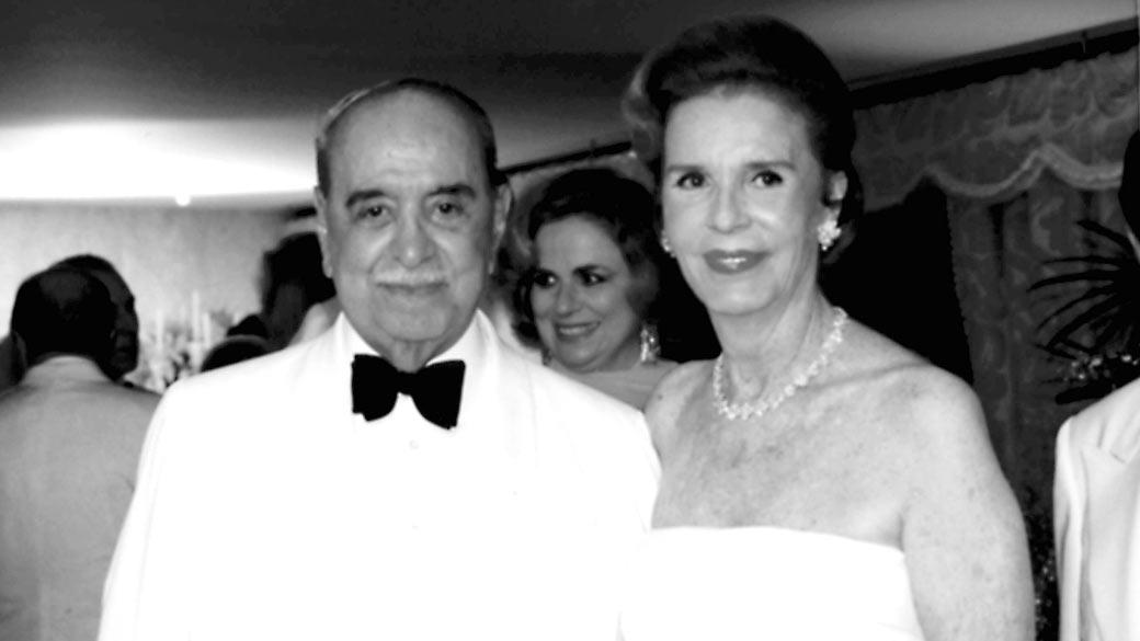 Roberto Marinho, fundador das Organizações Globo, e a mulher Lily, em imagem do arquivo pessoal da família