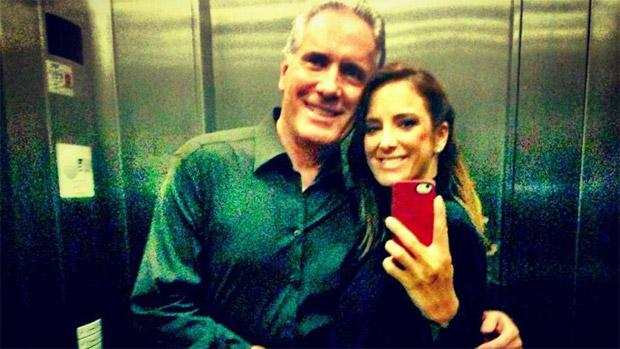 Roberto Justus e Ticiane Pinheiro, em versão própria das fotos de elevador
