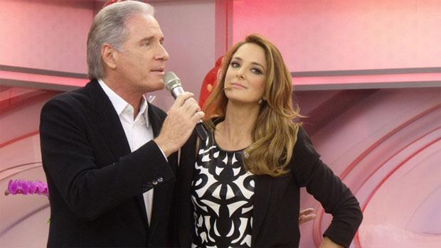 Roberto Justus e Ticiane Pinheiro no programa que ela apresenta, na Record