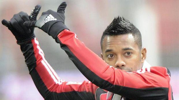 Robinho marcou um dos gols do clube na vitória por 4 a 1