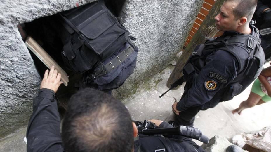 Policiais do BOPE durante a ocupação da favela da Rocinha, no Rio de Janeiro