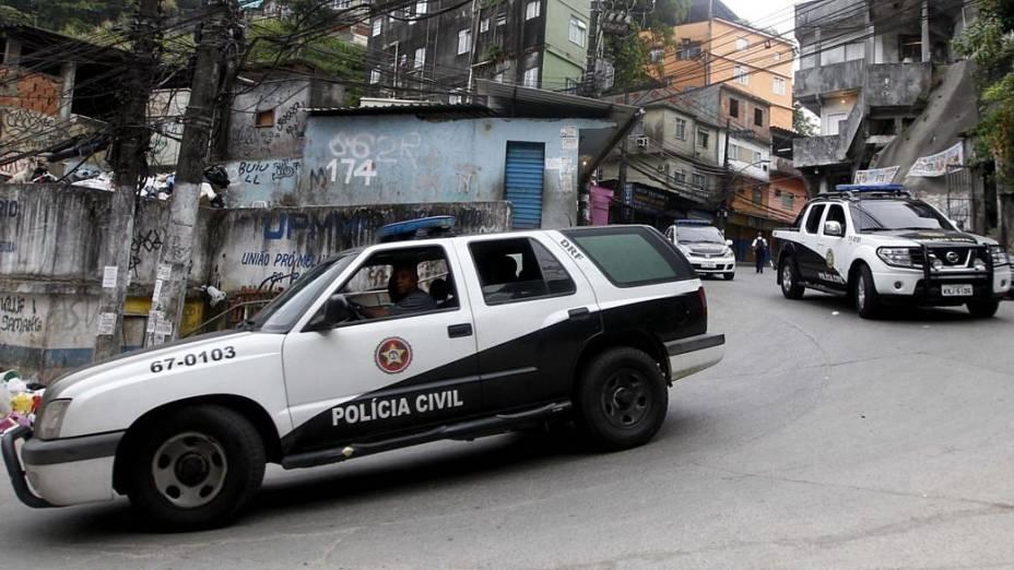 Policiais civis participam da ocupação da favela da Rocinha, no Rio de Janeiro