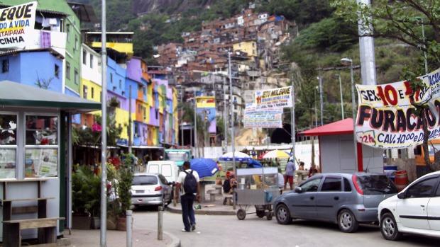 Uma das entradas da favela da Rocinha, onde vivem quase 70 mil pessoas, de acordo com o Censo 2010