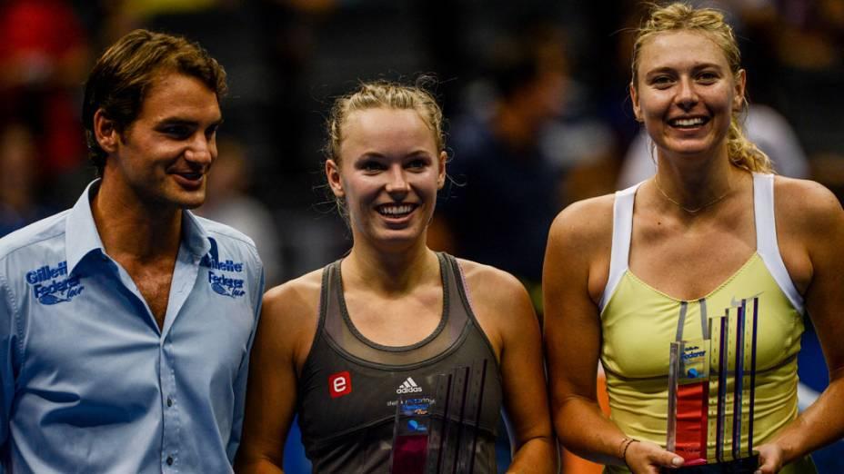 Roger Federer, Caroline Wozniacki e Maria Sharapova durante o Gillette Federer Tour no ginásio do Ibirapuera em São Paulo