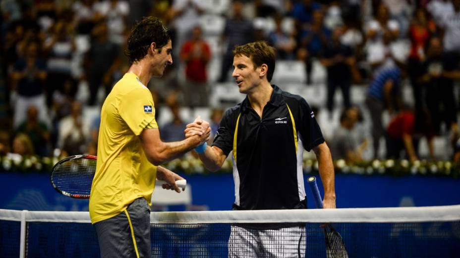 Thomaz Bellucci vence Tommy Robredo neste domingo (09/12),em partida de exibição pelo Gillette Roger Federer Tour em São Paulo no ginásio do Ibirapuera