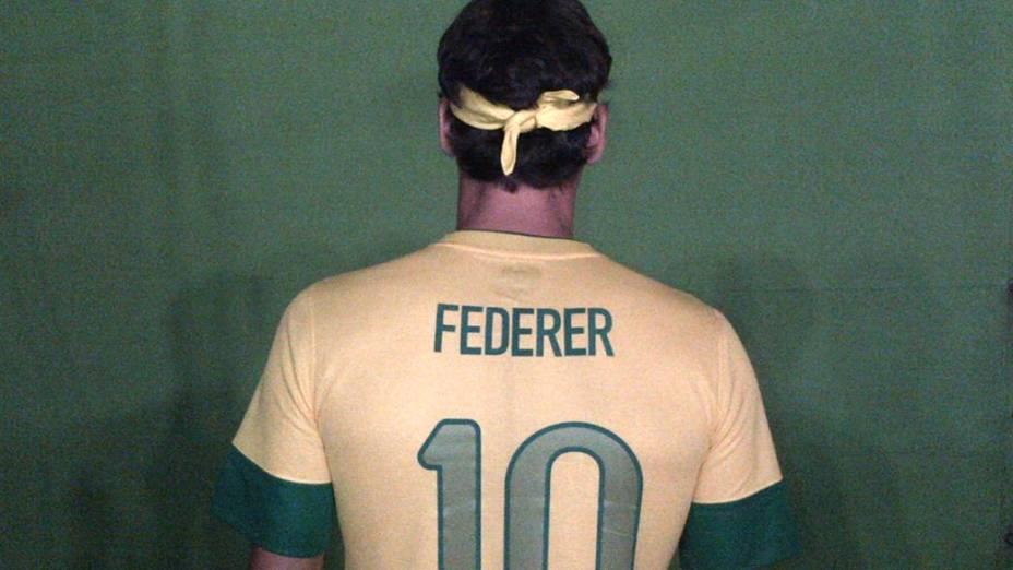 Roger Federer vestiu o uniforme da seleção brasileira para promover o torneio de tênis que acontece no Brasil em dezembro