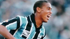 Ronaldinho Gaúcho atuando pelo Grêmio