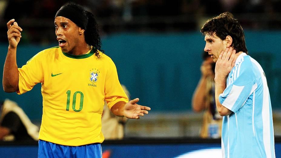 Ronaldinho Gaúcho em jogo da seleção brasileira contra a Argentina
