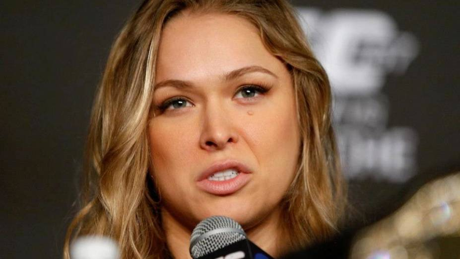 Ronda Rousey em entrevista coletiva antes do UFC 157, na Califórnia