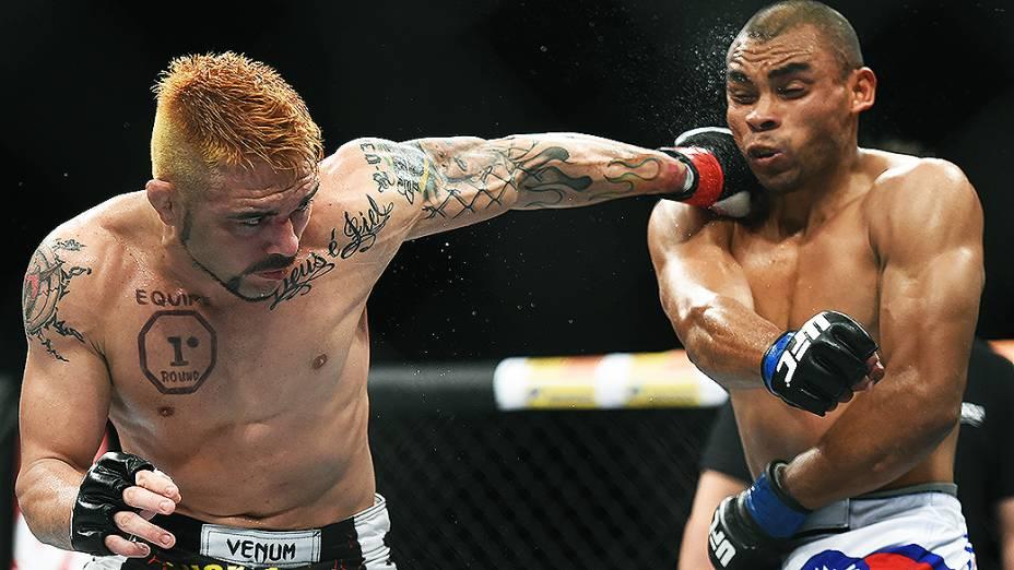 O brasileiro Rony Jason perde o americano Robbie Peralta na final do TUF Brasil 3 no Ginásio do Ibirapuera em São Paulo