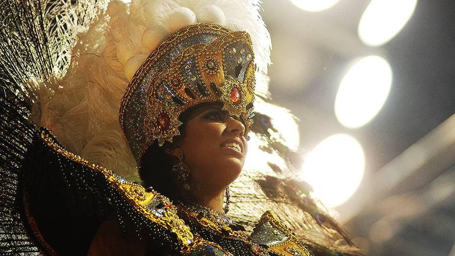 Desfile da Rosas de Ouro no primeiro dia do carnaval de São Paulo