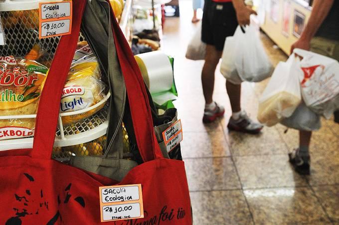 sacolas-plastica-mercado-20120626-01-original.jpeg