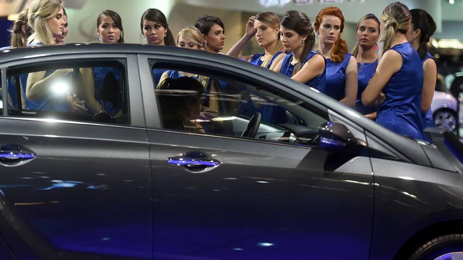 Segundo dia do Salão do Automóvel de São Paulo para a imprensa, com novidades que devem agitar o mercado brasileiro nos próximos meses