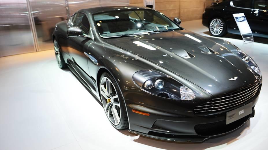 Aston Martin DBS - Estrela dos últimos filmes de James Bond, o superesportivo top de linha da marca britânica é vendido no país por R$ 1,6 milhão. Debaixo do capô há um potente V12 6.0 capaz de entregar 510 cv de potência