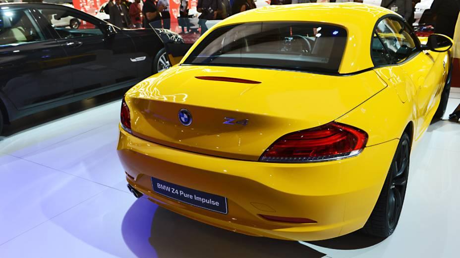 BMW Z4 sDrive 20i Roadster - Disponível na versão Design Pure Impulse, na cor amarela, o conversível é vendido por 270.000 reais. Vem com motor 2.0 twinturbo de 135 cv e câmbio automático de seis marchas. Faz o 0 a 100 km/h em 7,2 s e atinge 232 km/h de máxima
