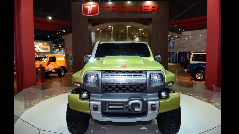 Troller TR-X - Concebido pelo Centro de Design da Ford, o protótipo de visual musculoso ostenta para-lamas mais largos e integrados à cabine, capô central elevado e grade dianteira que reproduz, em escala, o desenho frontal do modelo. Há ainda lanternas e faróis com diodos luminosos (leds)