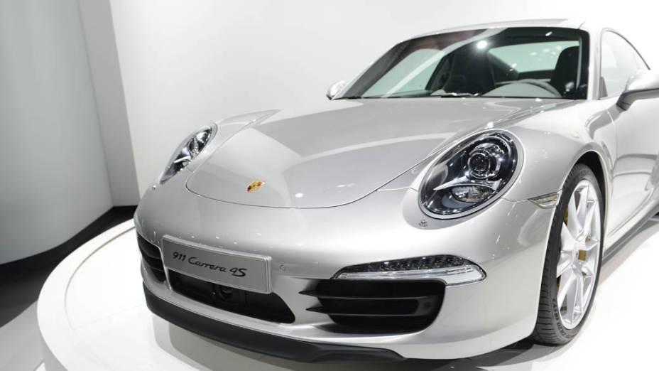 Porsche 911 Carrera 4S - Equipado com um motor 3.8 de 400 cv acoplado a um câmbio PDK ou manual de sete marchas, o cupê cumpre o 0 a 100 km/h em 4s5 e atinge velocidade máxima de 299 km/h