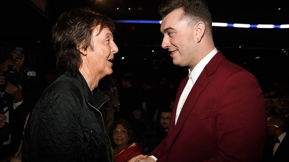 Sam Smith durante a 57ª edição do Grammy, premiação que elege os melhores da música internacional, que acontece neste domingo (08)