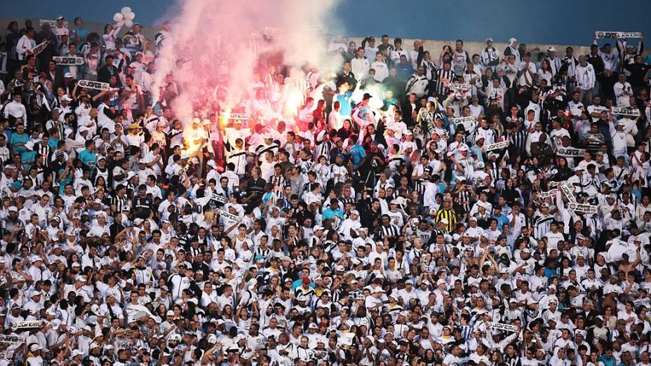 Vista da torcida do Santos durante a final do Paulistão 2012, no estádio do Morumbi, em São Paulo