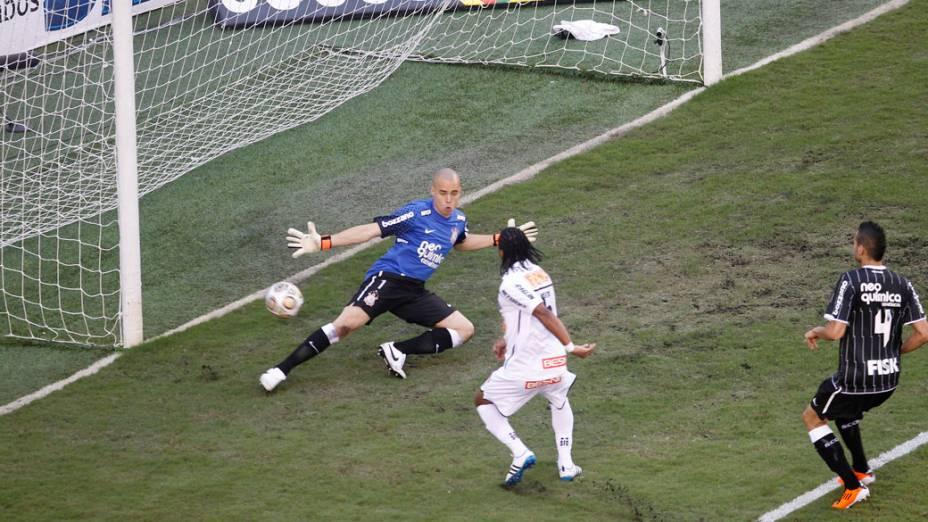 Arouca marca primeiro gol do Santos contra o Corinthians, durante o segundo jogo das finais do Campeonato Paulista - 15/05/2011