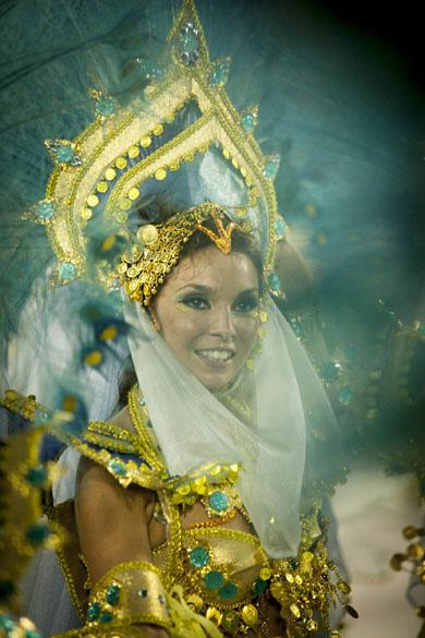 Destaque da São Clemente, tradicional escola da Zona Sul do Rio de Janeiro se apresenta na Marquês de Sapucaí nesta segunda-feira