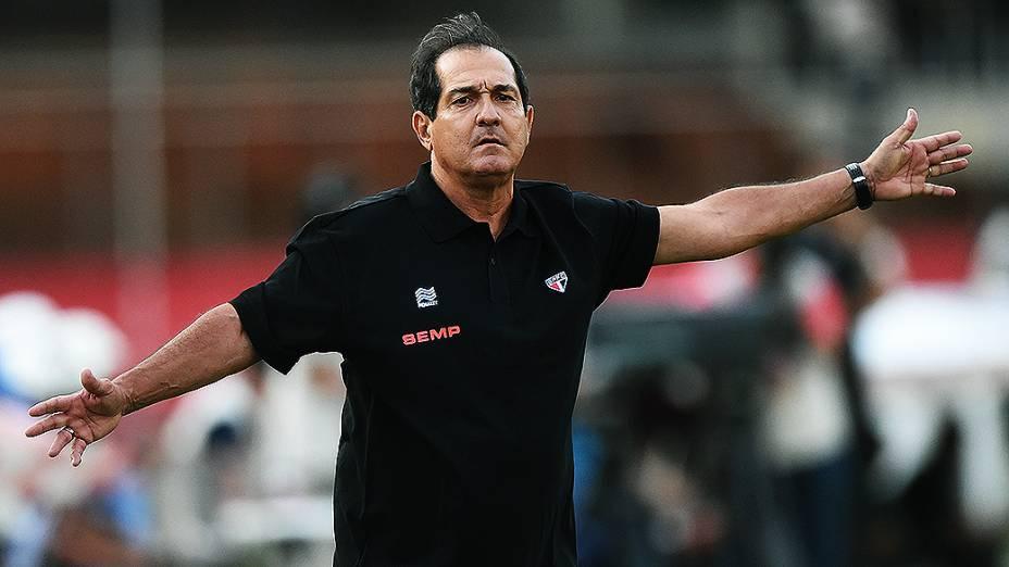 Muricy Ramalho, técnico do São Paulo durante partida contra o Botafogo, pelo Campeonato Brasileiro no Morumbi