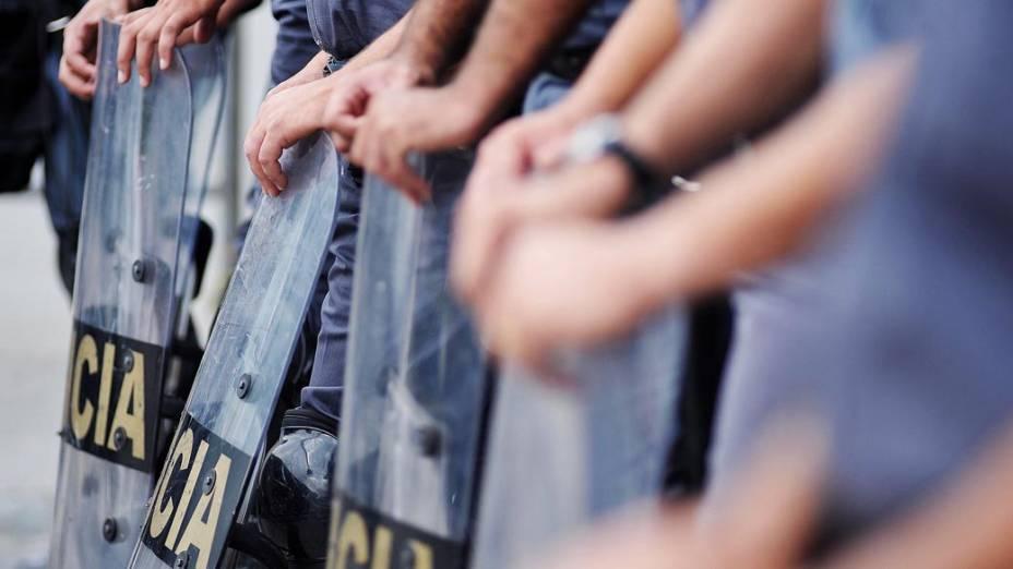 Policiais no estádio do Morumbi antes da partida entre São Paulo e Corinthians