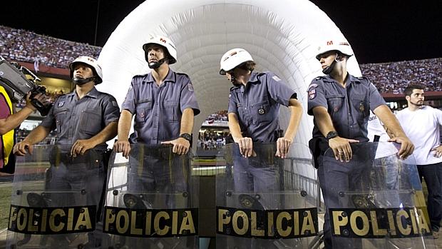 Jogadores do Tigre acusaram os seguranças do São Paulo de truculência e não voltaram para o segundo tempo