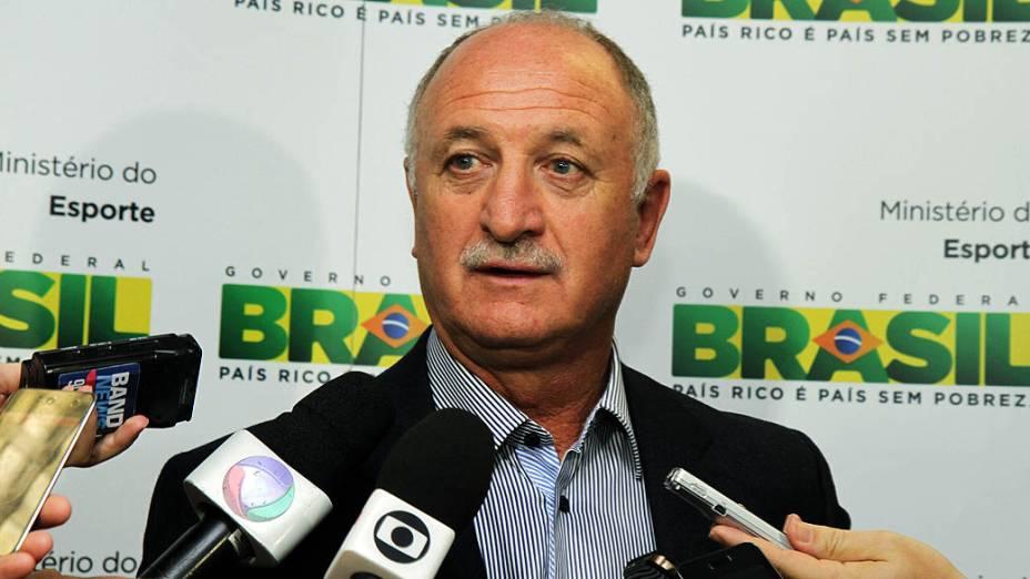 Luiz Felipe Scolari durante entrevista no Ministério do Esporte. Em 2012, ele acertou uma colaboração informal com o governo