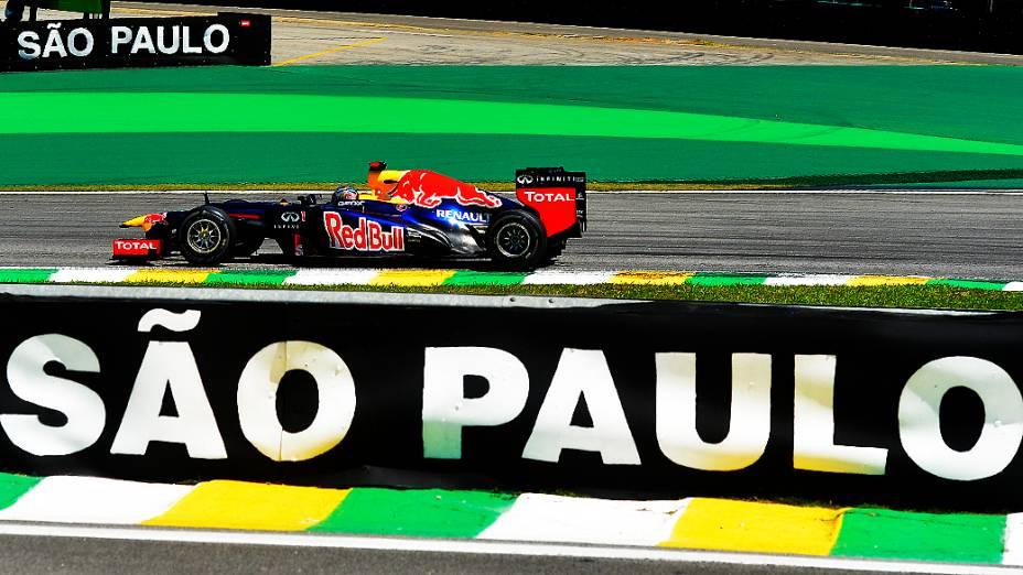 Sebastian Vettel durante o primeiro treino livre do GP Brasil, nesta sexta-feira em Interlagos