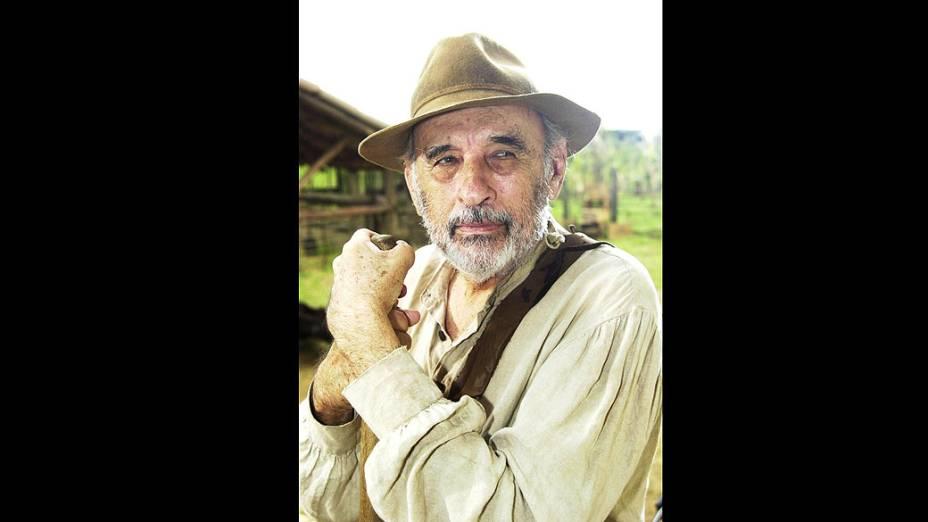 """Sebastião Vasconcelos na novela """"Cabocla"""", da Rede Globo"""