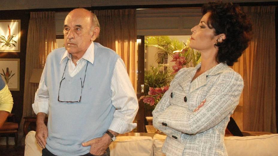 """Sebastião Vasconcelos e Angelina Muniz na novela """"Caminhos do Coração"""", da Rede Record"""