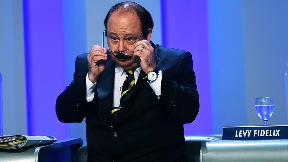 O candidato do PRTB à Presidência da República, Levy Fidelix, durante o debate promovido pela Globo, no Rio