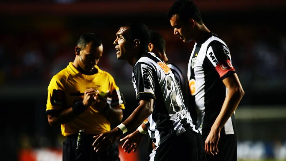 Richarlyson do Atlético-MG contra o São Paulo pela última rodada da fase de grupos da Copa Libertadores 2013