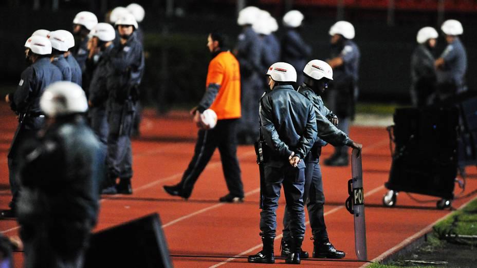 A Polícia Militar montou uma verdadeira operaçao no estádio Morumbi na noite destaquarta-feira (17)