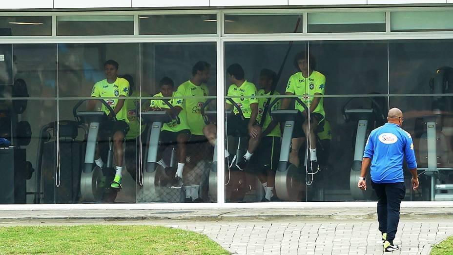 Thiago Silva, Paulinho, Fred, Maxwell, Neymar e David Luiz Fazem seu treino na academia da Granja Comary, nesta terça-feira (27)