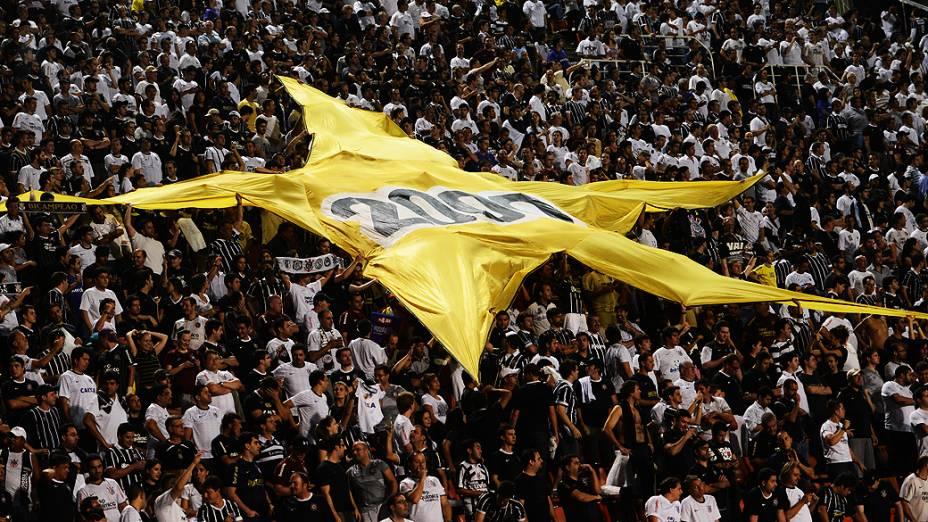 Na volta da torcida, Corinthians vence Tijuana do México pela Libertadores
