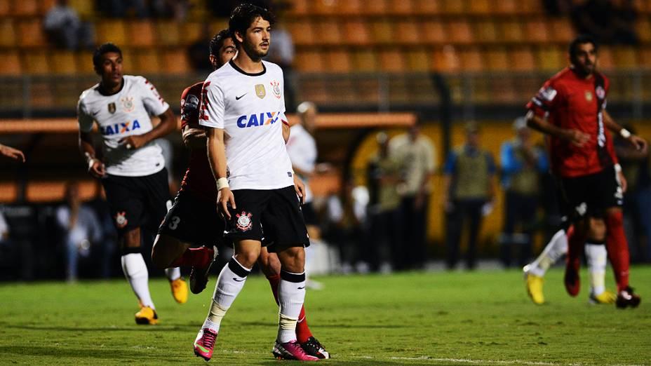 Alexandre Pato durante partida entre Corinthians e Tijuana no Pacaembu