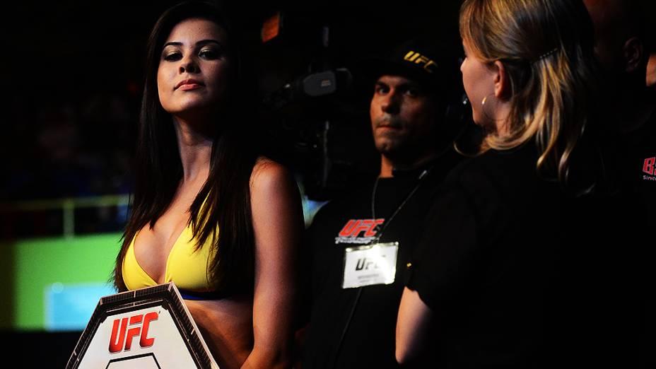 As primeiras ring girls brasileiras oficiais do UFC estrearam na edição do evento em São Paulo, na noite de sábado (19)