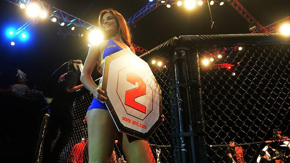 Camila Oliveira a ring girls brasileira do UFC São Paulo
