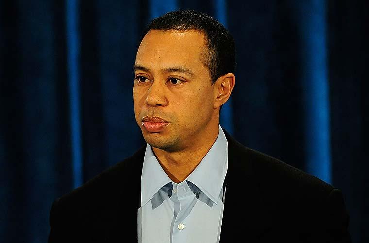 Nesta sexta-feira, o golfista americano Tiger Woods fez sua primeira aparição pública após a divulgação de envolvimento em escândalos sexuais. Woods disse estar  profundamente desolado por seu comportamento egoísta