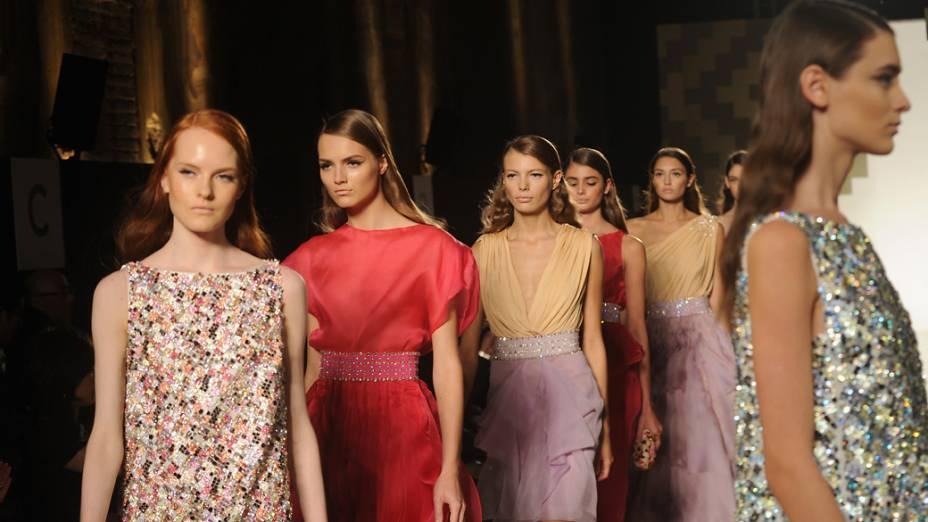 Coleção Primavera-Verão da Mila Schon durante a Semana de Moda de Milão