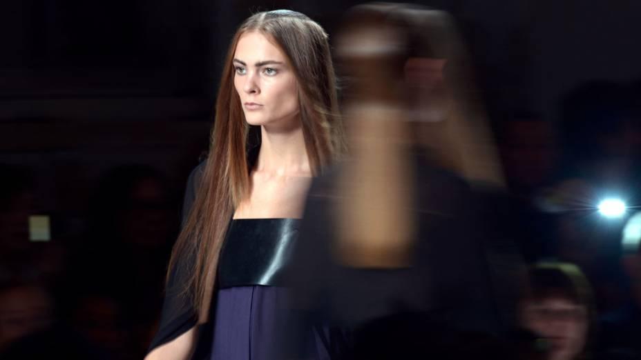 Modelos no desfile de Ann Demeulemeester na Semana de Moda de Paris