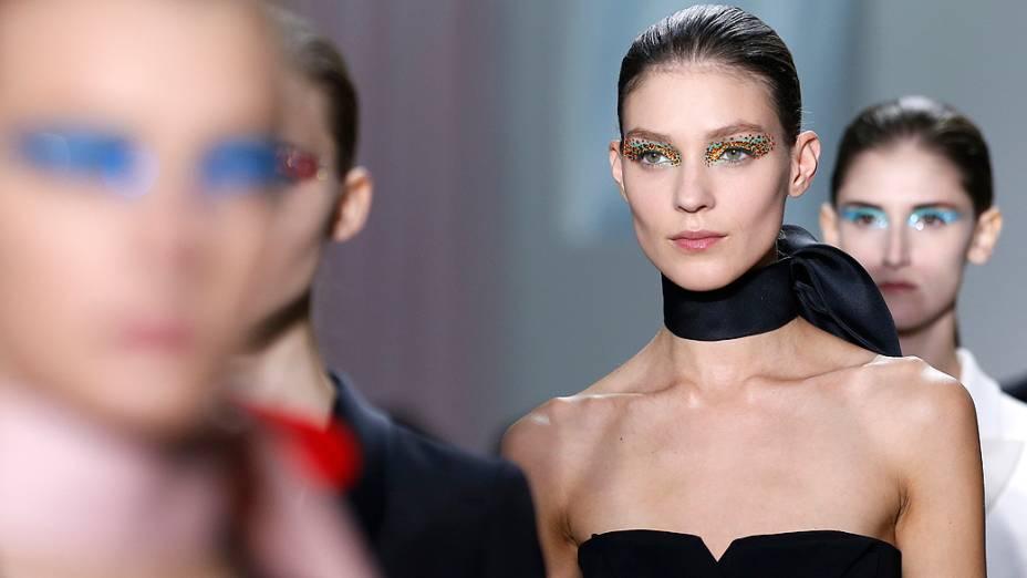 Modelos no desfile da grife Christian Dior durante a Semana de Moda de Paris