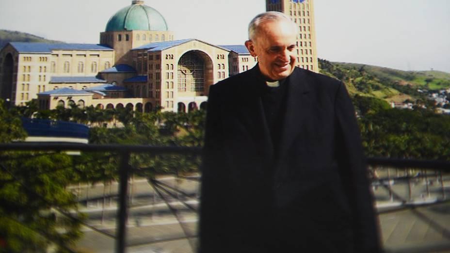 Papa Francisco em frente ao Santuário Nacional de Aparecida em 2007