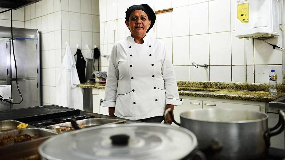 A cozinheira do Hotel Ana Angélica Silva Santos que cozinhou para o papa Francisco durante sua visita a Aparecida (SP) em 2007