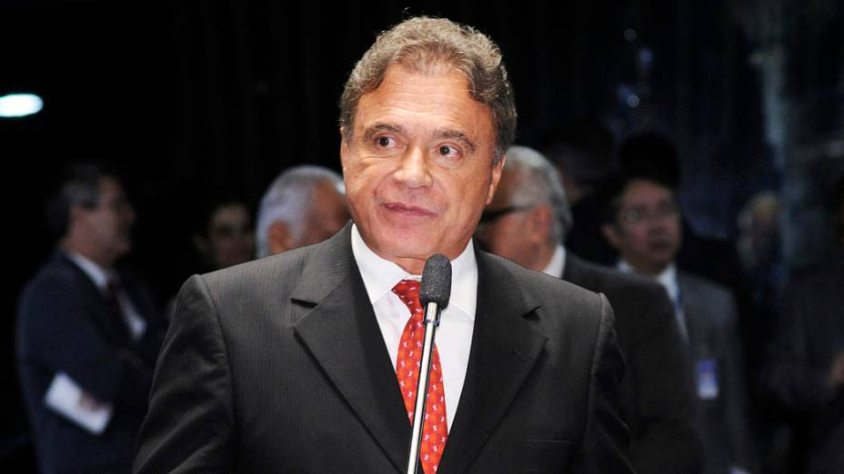 Reeleito o senador Álvaro Dias (PSDB) no Paraná